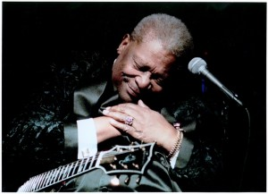 play-blues-guitar-like-bb-king